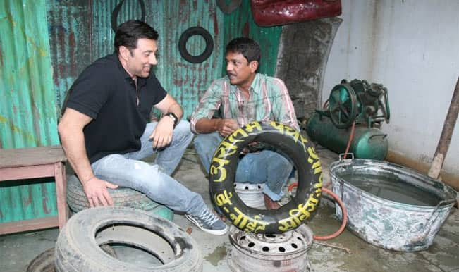 Sunny Deol's punctured tyre; Adil Hussain comes to the rescue