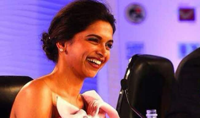 "Deepika Padukone in HT Summit 2014 on cleavage controversy says, ""Everyone is entitled to an opinion of their own!"""