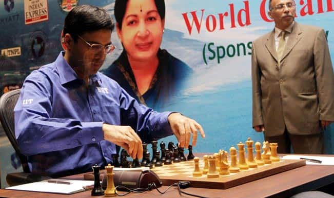 World Chess Championship: Viswanathan Anand blunders to concede game 6 to Magnus Carlsen