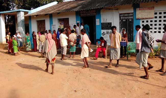 झारखंड विधानसभा चुनाव : प्रथम चरण के लिए मतदान शुरू