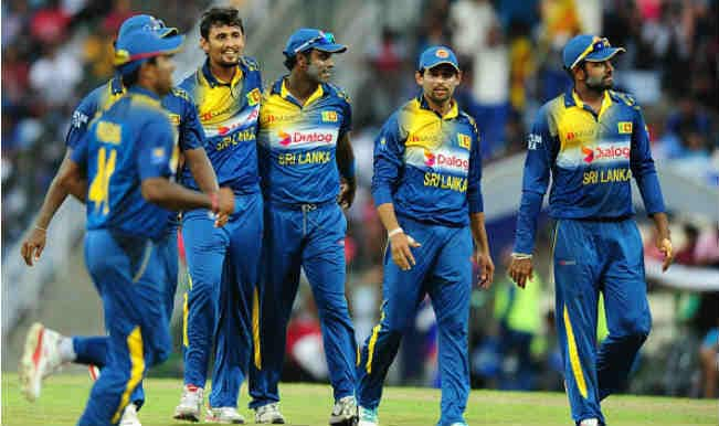 Thunder and lightning stop England run chase in Sri Lanka
