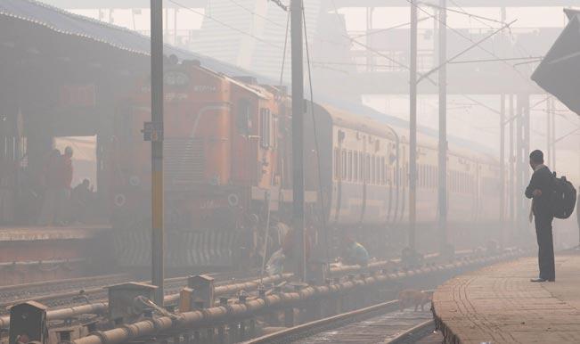 दिल्ली में कोहरे से 115 रेलगाड़ियों में देरी
