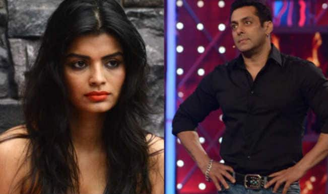 Bigg Boss 8 Weekend Ka Vaar: Salman Khan reveals Sonali Raut's intentions to kiss Gautam Gulati!