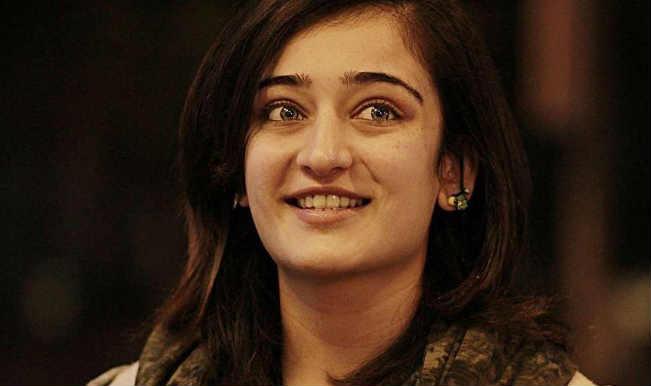 Akshara Haasan's innocent bride avatar at IBFW