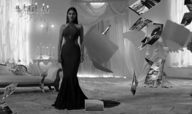 Baby song Beparwah: Macho Akshay Kumar and sexy Esha Gupta go for the kill!