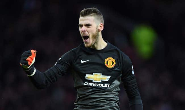 Louis van Gaal expects David de Gea to stay at Manchester United amid Real Madrid interest