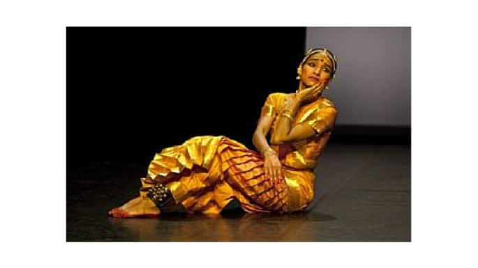 Shantala Shivalingappa Puts Contemporary Spin on Kuchipudi During Chicago Debut
