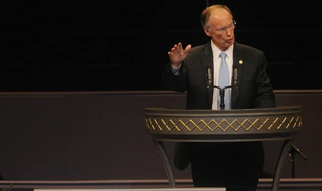 Alabama Governor apologises for assault against Indian
