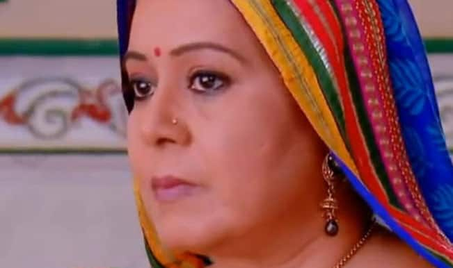 Diya Aur Baati Hum: Bhabho lies to teach Emily and Meenakshi a lesson