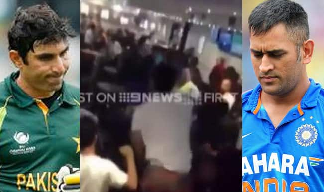 India & Pakistan Fans insult their nations in Australia: Video of Indo-Pak fans involved in ugly fight!