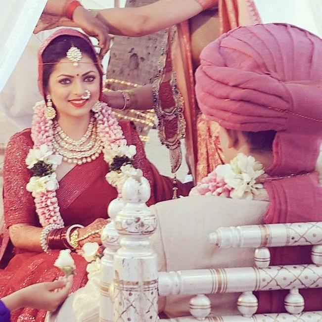 Drashti Dhami wedding pictures: See the beautiful Madhubala as Neeraj Khemka's bride!