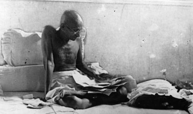 Mahatma Gandhi Death Anniversary: The Last Few Hours Before Bapu Choked to The Wounds of Bullets