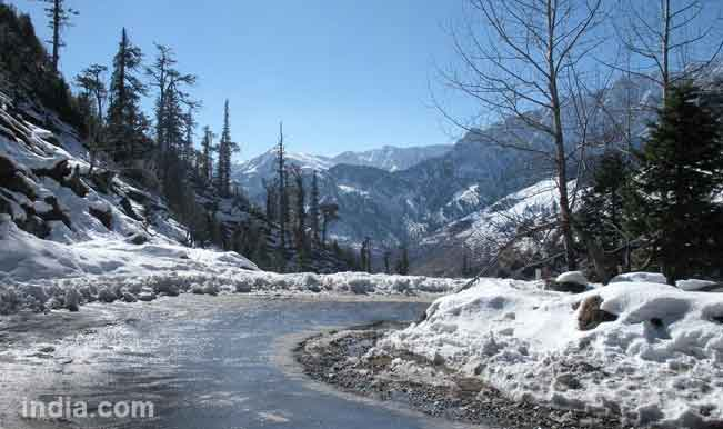 Manali-Leh highway partially reopens for tourists after six months