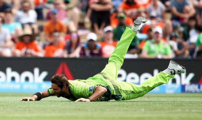 Pakistan vs West Indies 2015 Cricket World Cup: Twitterati poke fun at Pakistan's sloppy fielding in PAK vs WI clash
