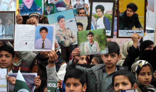पेशावर स्कूल हमले के पीड़ितों ने किया प्रदर्शन