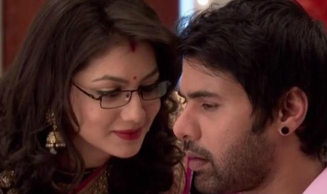 Kumkum Bhagya: Pragya gives love letter to Abi; gets kidnapped on Bulbul's engagement!