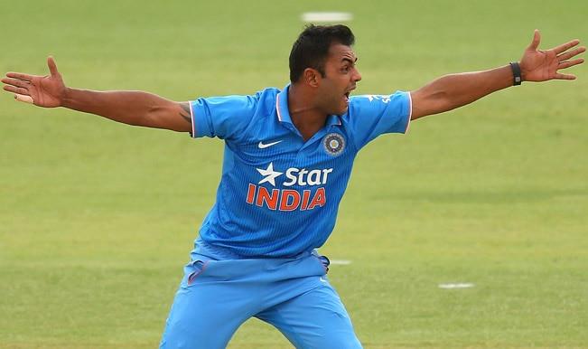 India vs Australia ICC Cricket World Cup 2015 Warm-up Match 1: Aaron Finch dismissed by Stuart Binny; AUS 62/1