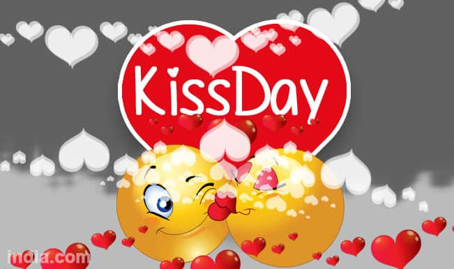 Happy Kiss Day 2015: Best Kiss Day SMS, WhatsApp & Facebook Messages to send Happy Kiss Day greetings!