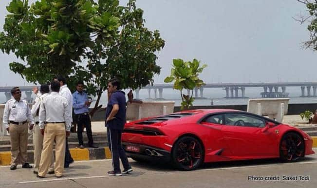 Arnab Goswami Helps Mumbai Police Nab Speeding Lamborghini