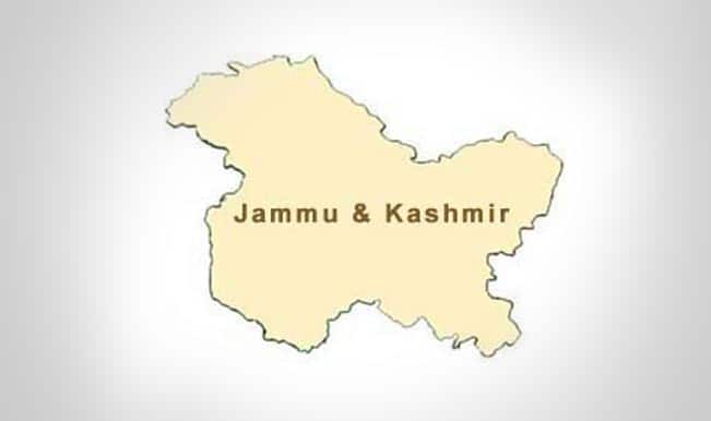 Heavy rains lashes Kashmir: Srinagar-Jammu National highway closed as 44 structures damaged