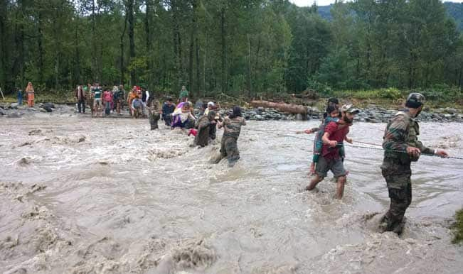 Jammu and Kashmir heavy rains: 100 NDRF personnel to rush to Kashmir Valley as precautionary measure for floods