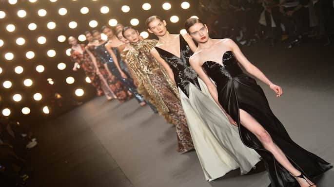 Designers Naeem Khan and Bhibu Mohapatra Receive Rave Reviews at NY Fashion Week