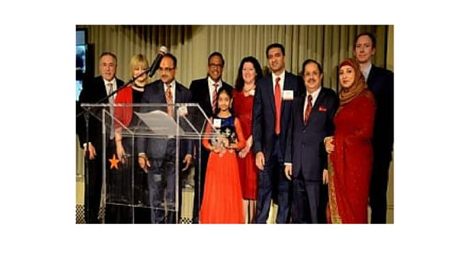 'A Red Sari Evening' Draws More Than 200 Leaders for Heart Disease Awareness