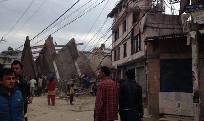 नेपाल में भूकंप से 876 की मौत