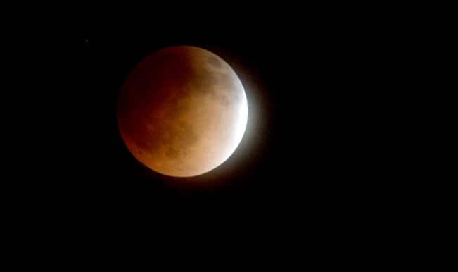 Total Lunar Eclipse 2015: How to Watch Blood Moon Live on Easter Weekend?