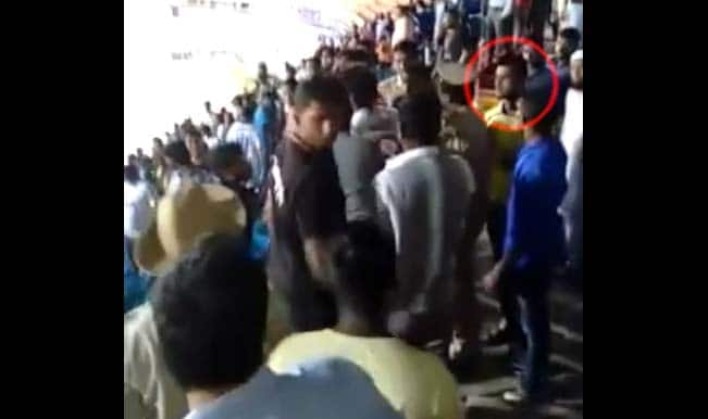 Shocking! Mumbai FC player Amoes Do fights with Bengaluru FC fans – Watch Video