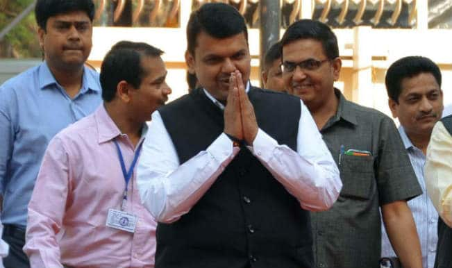 Devendra Fadnavis clarifies land acquisition notice by his government