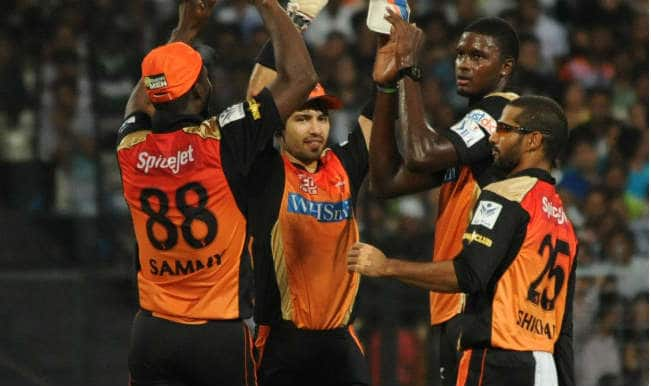 Royal Challengers Bangalore vs Sunrisers Hyderabad IPL 2015: Trent Boult restricts RCB to modest 166