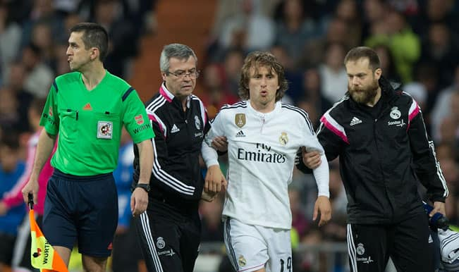 Real Madrid lose Luka Modric to knee injury for Atletico Madrid clash