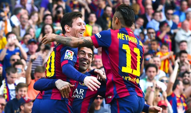 La Liga 2014-15: Lionel Messi scores landmark 400th goal as Barcelona edge Valencia