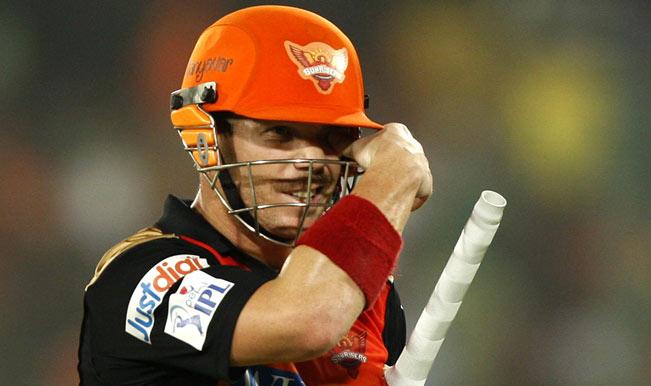 सनराइजर्स ने रॉयल चैलेंजर्स बैंगलोर को ८ विकेट से हराया
