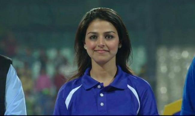 Who is Rakhee Kapoor Tandon, the girl from IPL 2015 final?
