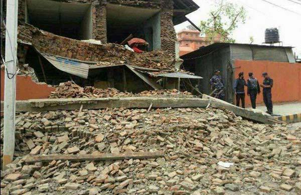 भूकंप के बाद खुला चीन-नेपाल राजमार्ग