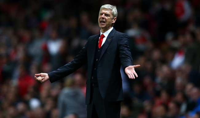 Arsene Wenger accuses Manchester United of poaching Arsenal's transfer targets