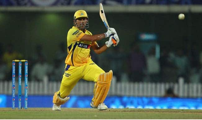 IPL 2015: Chennai Super Kings defeat Royal Challengers Bangalore to reach IPL 8 finals