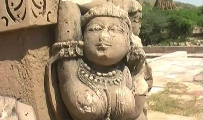 इस मंदिर में रात के वक्त कदम रखने से इंसान बन जाता हैं पत्थर