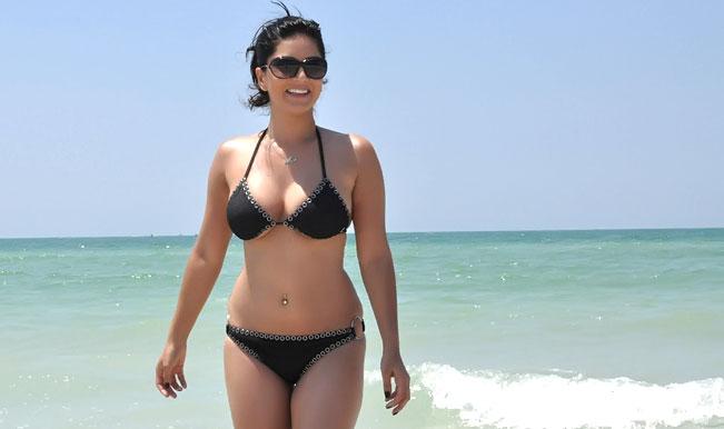 Deport Sunny Leone for promoting vulgarity on her website, demands Hindu Janajagruti Samiti