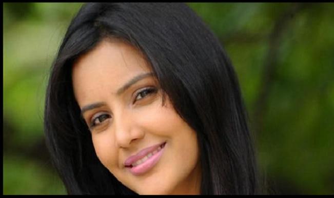Priya Anand's special cameo in Trisha Illana Nayantara