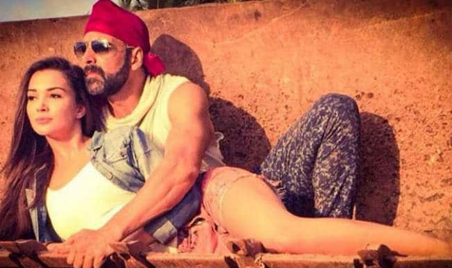 Singh Is Bling first look out! Akshay Kumar and Amy Jackson make a hot pair!