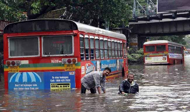 Heavy rains lash Mumbai: Schools shut on Friday