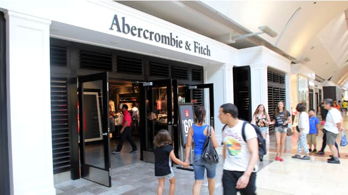 Supreme Court Rules in Favor of Muslim Woman Denied Job by Abercrombie and Fitch