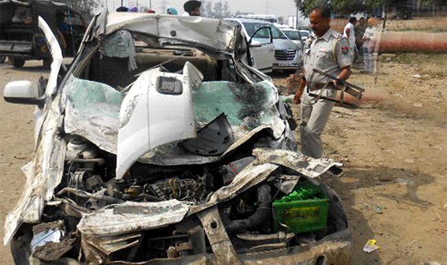 उत्तर प्रदेश : अलग-अलग सड़क दुर्घटनाओं में 4 की मौत