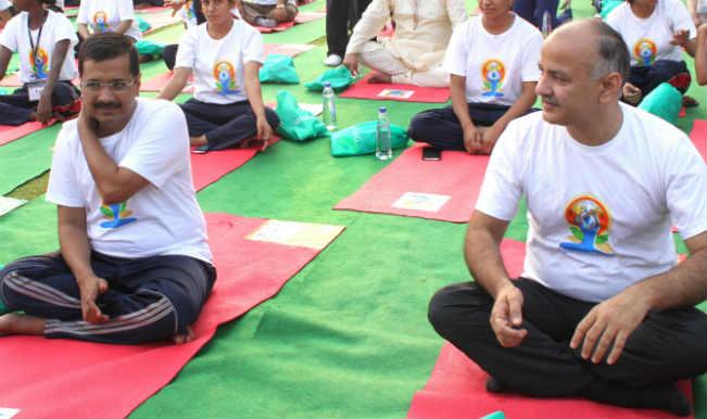 योग के लिए साथ हुए नरेंद्र मोदी, अरविंद केजरीवाल