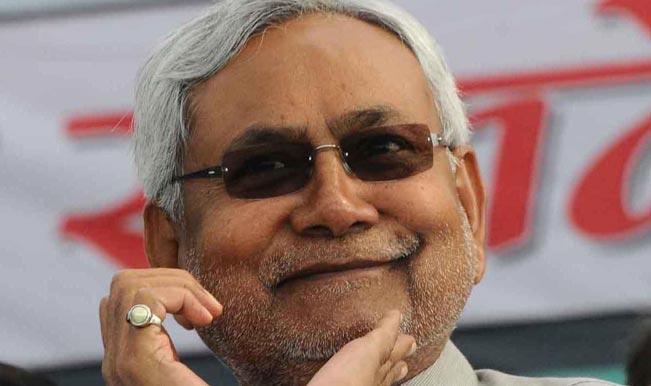 Bihar Assembly Elections 2015: Nitish Kumar joins Lalu Prasad, will skip Rahul Gandhi's Champaran rally