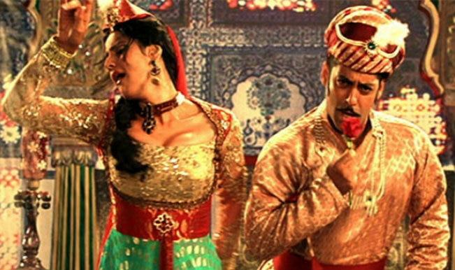 Character Dheela Hai Bhojpuri Version: Watch Salman Khan & Zarine Khan sizzle to this rib-tickling number!