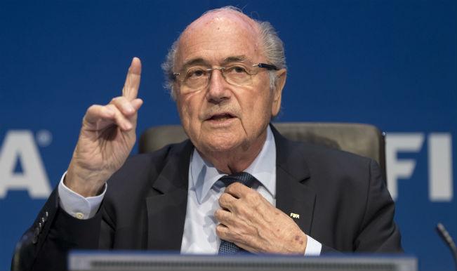Sepp Blatter resigns; new FIFA race opens up